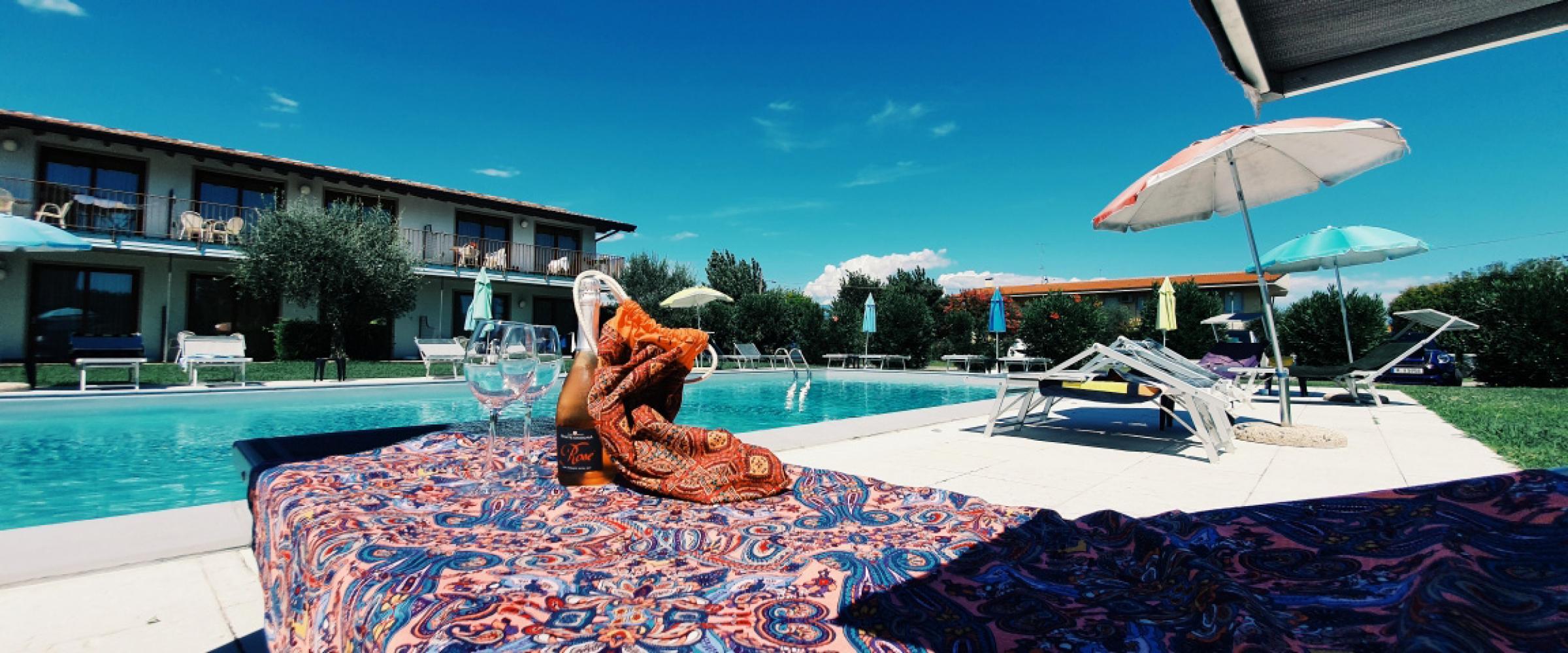 Residence con piscina sul lago di Garda: l'offerta turistica